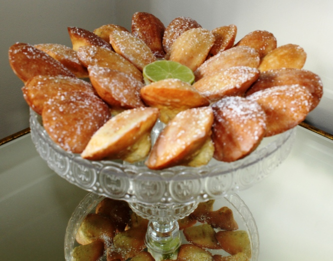cake stand madeleines