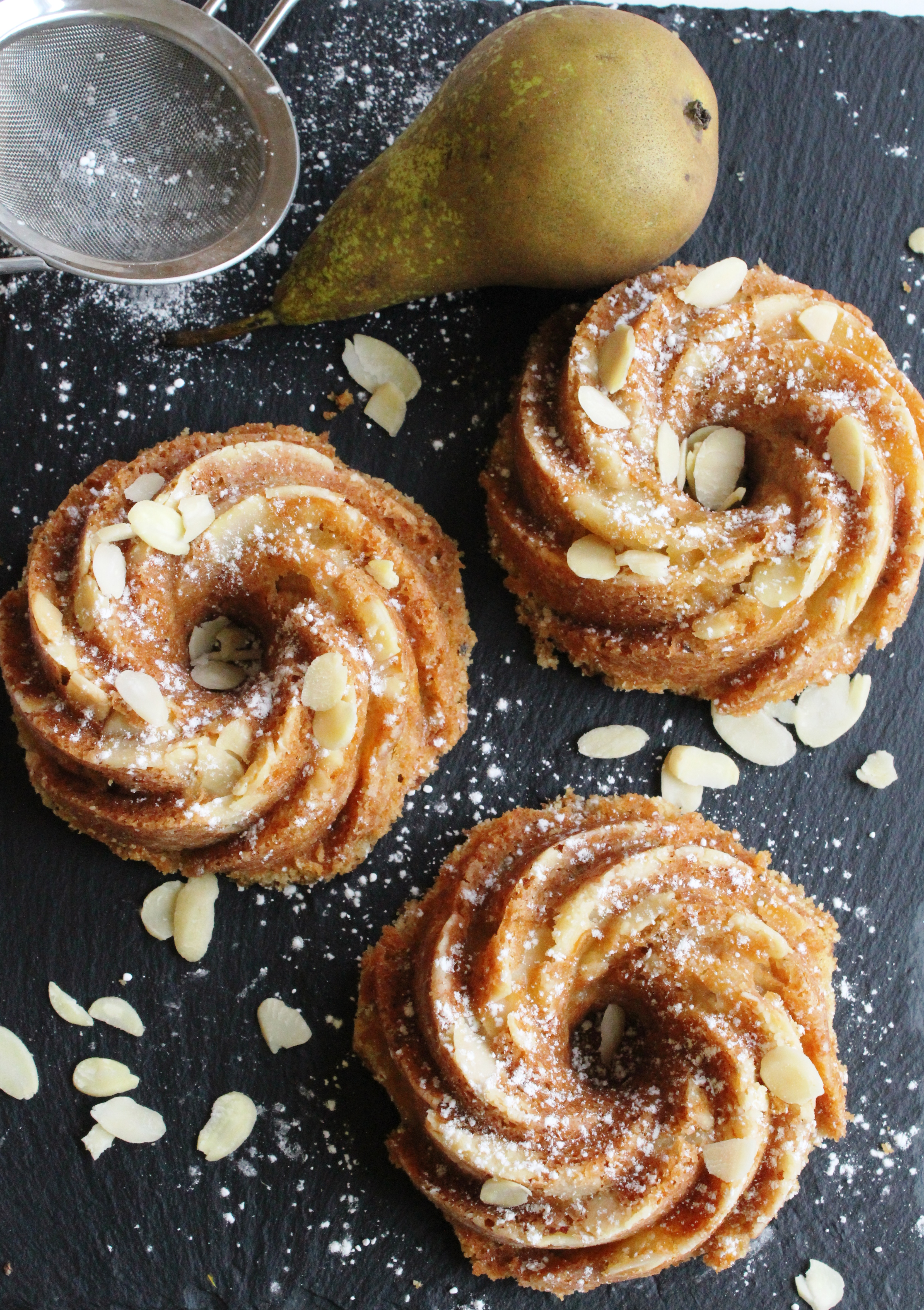 Pear and Cardamon bundt 3