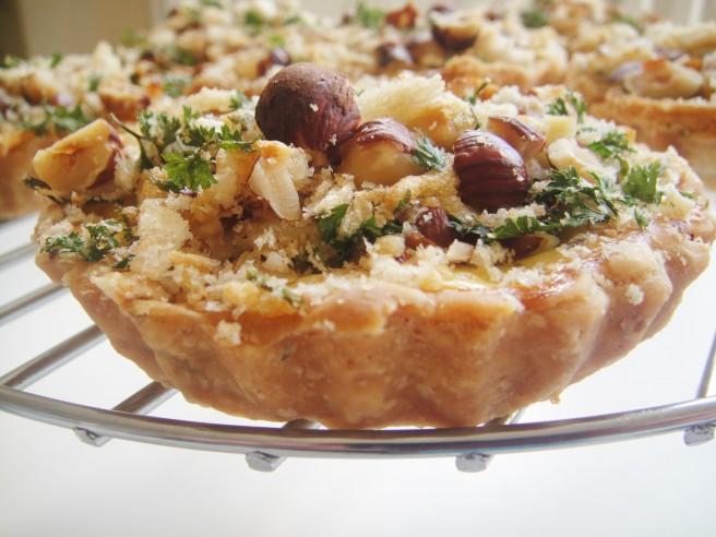 Leek crumble tart