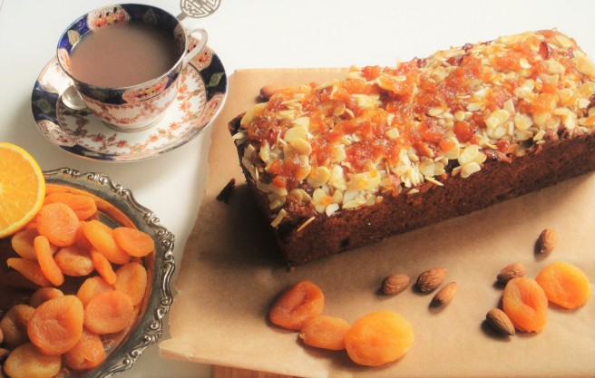 apricot-and-almond-loaf