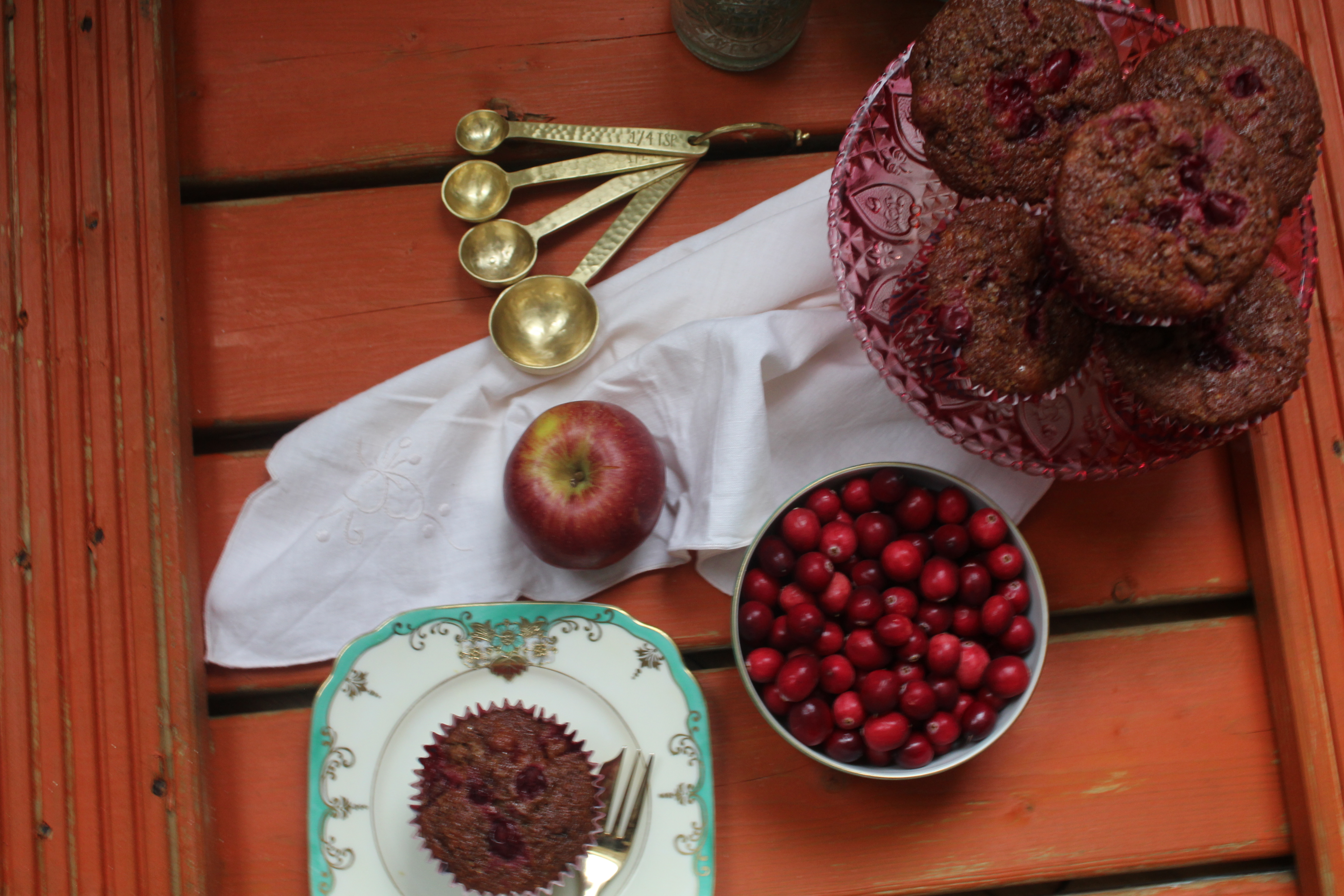 apple-and-cranberry-muffin